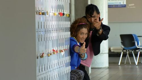 [Over-Time]_Kamen_Rider_Fourze_-_03_[C86E2AF6].mkv_snapshot_07.01_[2011.09.29_10.24.00]